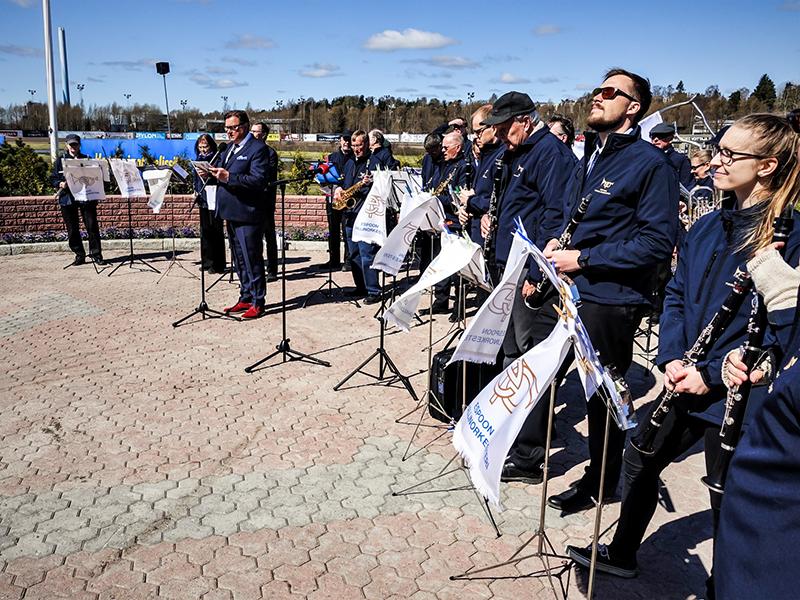 Espoon puhallinorkesteri - orkesteri esitys ja soittajat